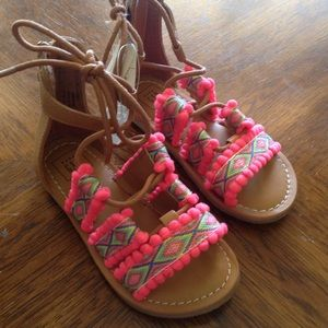 New Gap sandals size 8